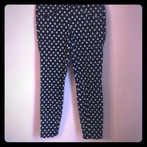 Cigarette pants with anchor print size 6